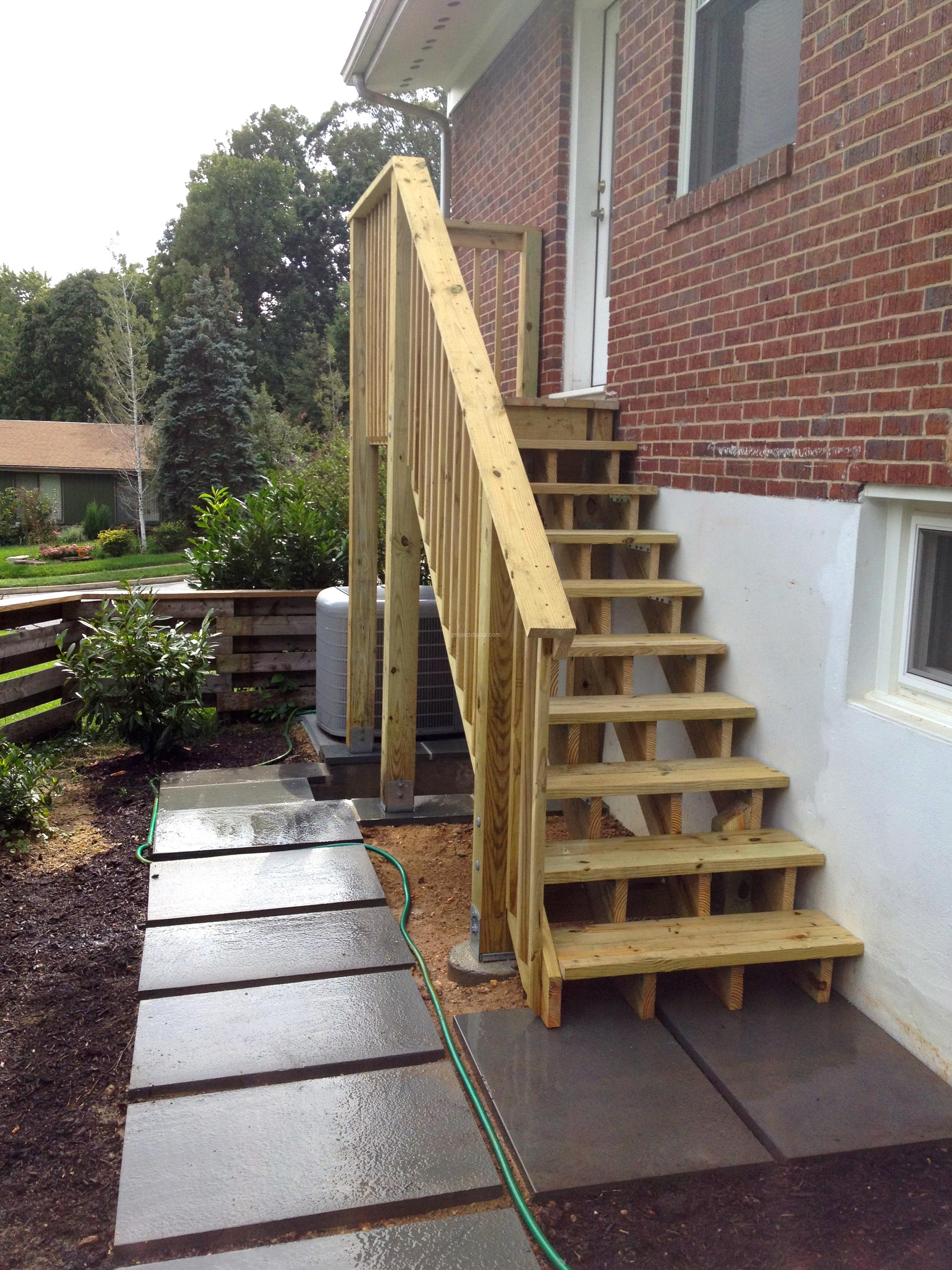 Diy deck stairs for Deck stairs pictures